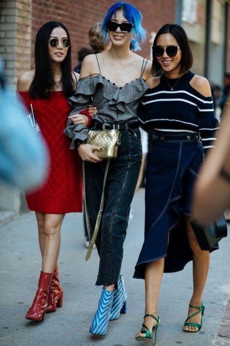 NYFW 2017: Da sac va sang chanh tu runway den streetwear - Anh 4