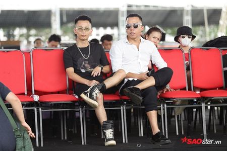 Toc Tien tre trung, Hoang Touliver cuc ngau tong duyet cho dem nhac 8.000 fan - Anh 5