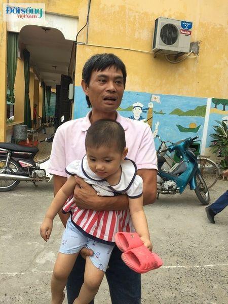 Hon 30 chau nghi bi ngo doc thuc pham o Truong mam non o Hoai Duc - Anh 3