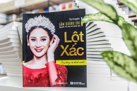 Lam Khanh Chi lan dau tiet lo danh tinh cha nuoi la nghe si noi tieng nhat nhi gioi san khau - Anh 1