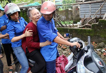 Bao so 10 manh tuong tu bao Xangsane cach day 11 nam - Anh 1