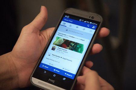 Facebook thu nghiem tuy chon ngung theo doi tam thoi nguon cap tin - Anh 1