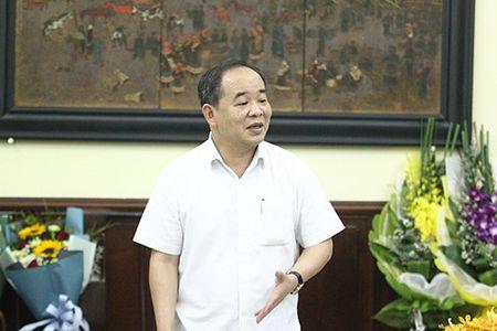 Trao quyet dinh nghi huu cho Chanh Thanh tra Bo va Giam doc Nha hat Kich Viet Nam - Anh 1
