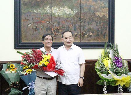 Trao quyet dinh nghi huu cho Chanh Thanh tra Bo va Giam doc Nha hat Kich Viet Nam - Anh 2