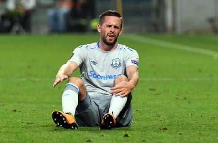 Rooney va dong doi thua 'tam phuc khau phuc' tren dat Italy - Anh 11