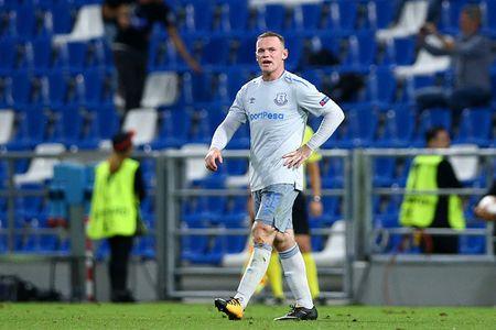 Rooney va dong doi thua 'tam phuc khau phuc' tren dat Italy - Anh 12