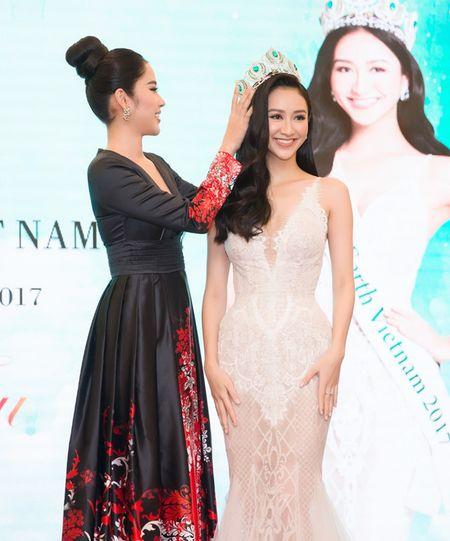 Ha Thu khong ap luc voi thanh tich Top 8 cua Nam Em o Hoa hau Trai dat - Anh 1