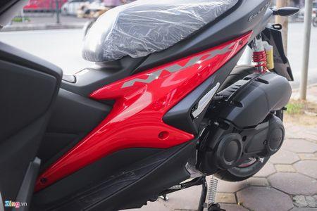 Yamaha NVX 155 ban dac biet thay giam xoc, phoi mau moi - Anh 4