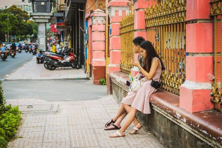 Nha tho mau hong hut khach 'song ao' giua Sai Gon - Anh 5