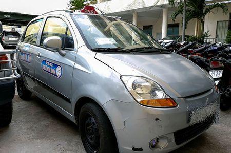 Chay hon 4 km, tai xe taxi 'chem' du khach 6 trieu dong - Anh 2