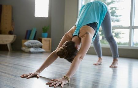 6 cach ngan ngua chan thuong khi tap yoga - Anh 2