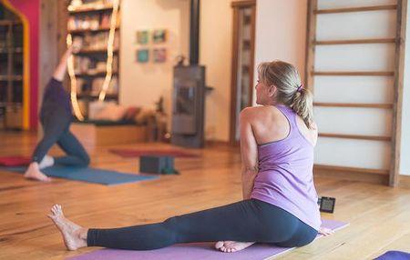 6 cach ngan ngua chan thuong khi tap yoga - Anh 5