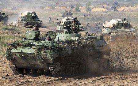 Ram ro tap tran Zapad, Nga choi don can nao voi My va NATO - Anh 1