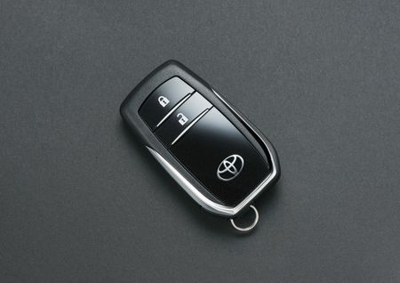 Toyota Hilux tro lai Nhat voi gia tu 680 trieu dong - Anh 11