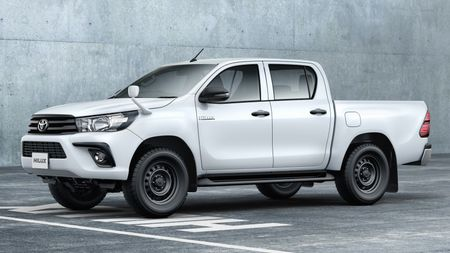 Toyota Hilux tro lai Nhat voi gia tu 680 trieu dong - Anh 3