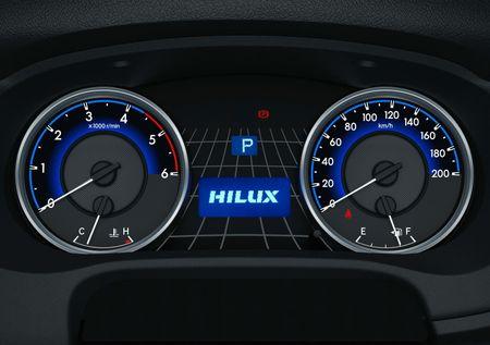 Toyota Hilux tro lai Nhat voi gia tu 680 trieu dong - Anh 8
