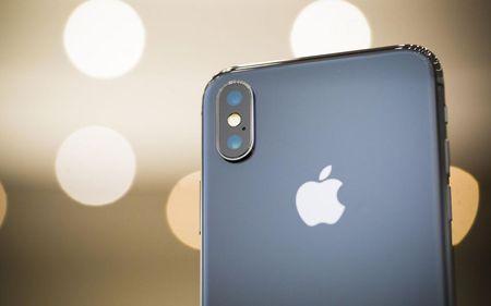 Nen mua iPhone X hay iPhone 8/8 Plus? - Anh 1