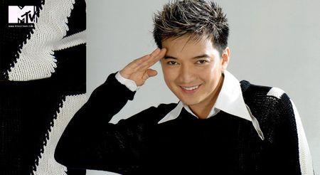 Dam Vinh Hung chinh thuc dai dien Viet Nam tranh tai tai MTV EMA - Anh 2