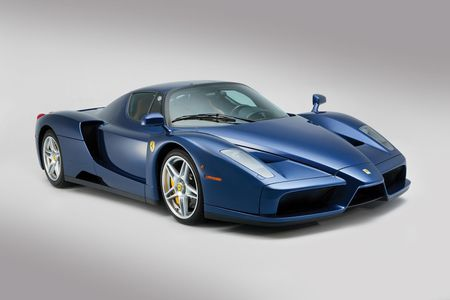 Sieu xe Ferrari Enzo 'hang co' van duoc ban voi gia trieu do - Anh 1