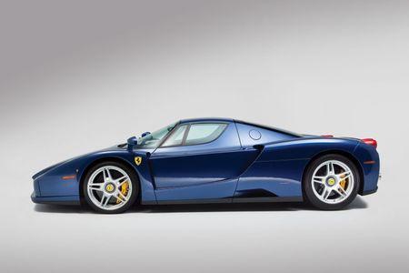 Sieu xe Ferrari Enzo 'hang co' van duoc ban voi gia trieu do - Anh 2
