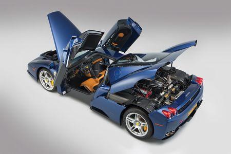 Sieu xe Ferrari Enzo 'hang co' van duoc ban voi gia trieu do - Anh 4