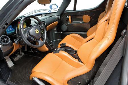 Sieu xe Ferrari Enzo 'hang co' van duoc ban voi gia trieu do - Anh 6