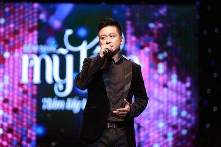 Tuan Hung: 'Nam lay tay anh' la ca khuc ve hanh phuc thanh cong nhat - Anh 1