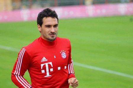 Neuer hoa 'nguoi nhen' trong buoi tap moi nhat cua Bayern - Anh 3