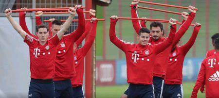 Neuer hoa 'nguoi nhen' trong buoi tap moi nhat cua Bayern - Anh 6