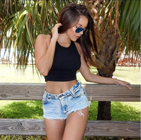 Nguoi dep Shelby Chesnes boi hoi ngay Rooney ve lai Old Trafford - Anh 5