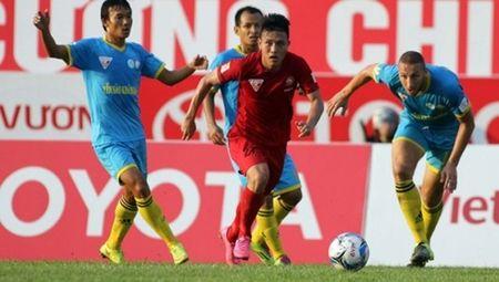 Tong hop 3 tran dau som vong 18 V-League 2017: Ha Noi va Sanna Khanh Hoa ru nhau 'nga ngua' - Anh 2