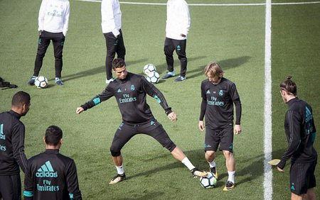 Bale tap luyen cat luc, quyet dep tan chi trich - Anh 3