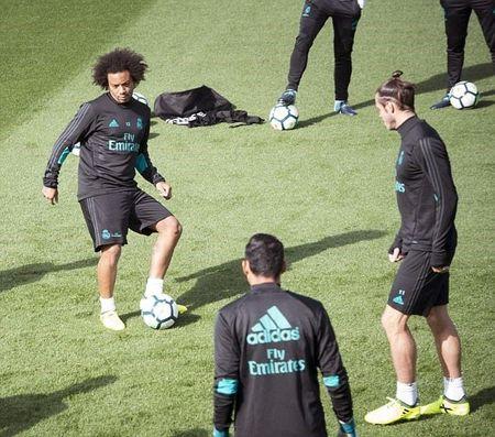 Bale tap luyen cat luc, quyet dep tan chi trich - Anh 4