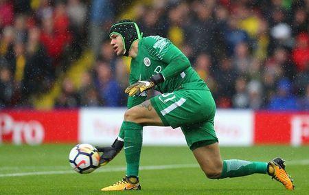 Watford 0-6 Manchester City: Goi ten ki luc gia Aguero - Anh 8