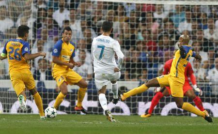 Ronaldo xem thuong Barca – Messi: Cup C1 la cua rieng Real - Anh 1