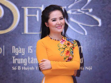 Sao Mai Thuy Dung tro lai san khau bang dem nhac 'Tim sen' - Anh 1