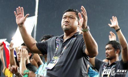 HLV U22 Thai Lan tu nguyen nhuong chuc sau vo dich SEA Games - Anh 1