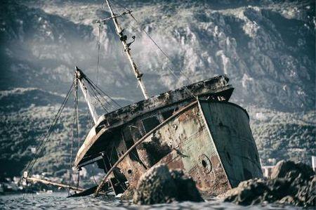 Abandoned Wrecks: Nhung dong do nat bi lang quen - Anh 11