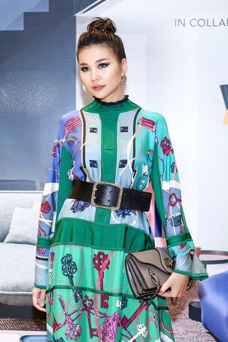 Thanh Hang dien nguyen cay hang hieu chat 'lac mat' - Anh 2