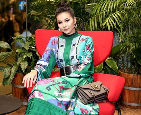 Thanh Hang dien nguyen cay hang hieu chat 'lac mat' - Anh 4