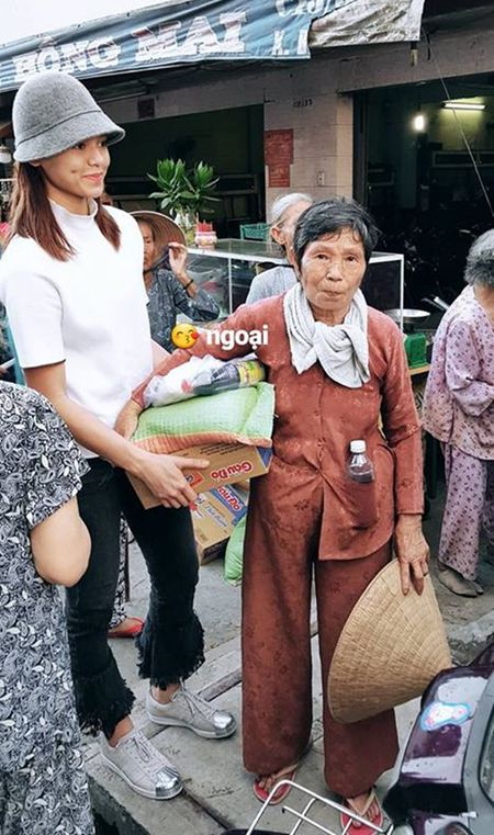 Sao Viet 16/9: JVevermind de rau gia dan, Tran Thanh tuoi roi sau that lac hanh ly - Anh 3