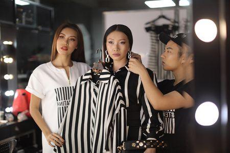 "Chung Thanh Phong ""nha hang"" BST moi cho 'Dau truong phong cach' - Anh 3"