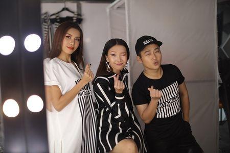 "Chung Thanh Phong ""nha hang"" BST moi cho 'Dau truong phong cach' - Anh 4"