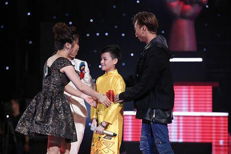 Huong Tram tiec hui hui vi de roi 'hoang tu Han Quoc' vao tay Soobin Hoang Son - Anh 2
