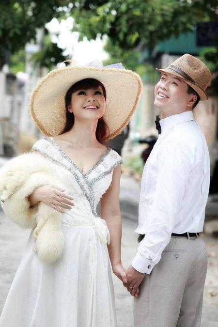Ca si Dang Duong: Moi tinh 'tieu thuyet', bi mat thuo han vi va liveshow dau tien sau 22 nam di hat - Anh 1