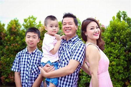 Ca si Dang Duong: Moi tinh 'tieu thuyet', bi mat thuo han vi va liveshow dau tien sau 22 nam di hat - Anh 3