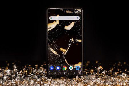Chiec dien thoai Essential Phone se co mo-dun tai nghe 3.5mm - Anh 1