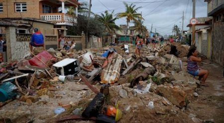 My giup cac nuoc Caribbean sau bao Irma, tru Cuba - Anh 1