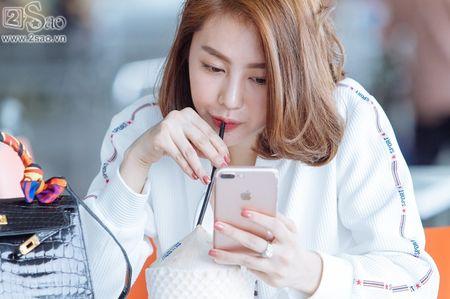 Ai tinh khac khoai, Linh Chi chon cach ra nuoc ngoai don sinh nhat trong don coi - Anh 4