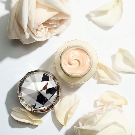 Can canh hu kem nen dat nhat the gioi: The Foundation cua Cle de Peau Beaute - Anh 5